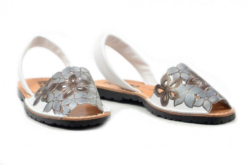 Sandały 37 skórzane VERANO 287 białe srebrne klapki
