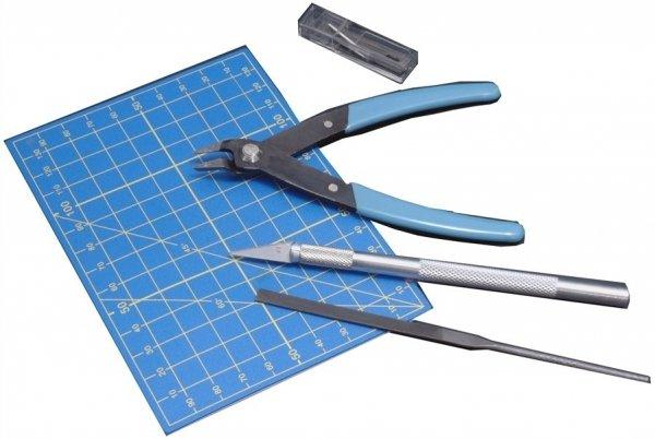 Zestaw Italeri 50815  Cążki, nożyk, pilnik