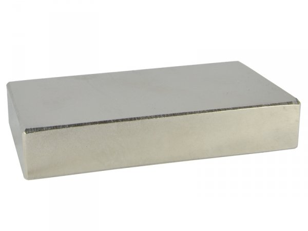 Magnes neodym N38 15x6x2mm