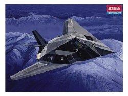 ACADEMY F-117A STEALTH SKALA 1:72
