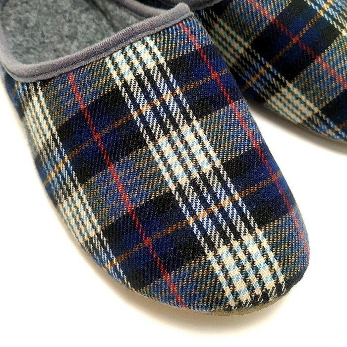 kapcie-domowe-slippers-family-scotch