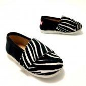 tenisowki-dla-dzieci-na-rzep-slippers-family-zebra