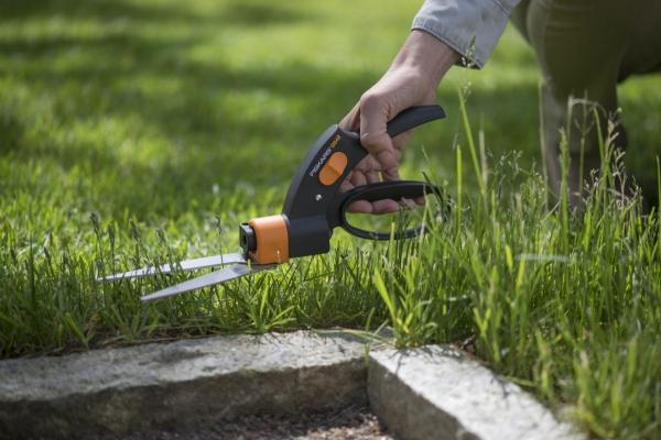 Nożyce do trawy z serwo Fiskars GS42 1000589