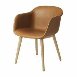 Muuto FIBER ARMCHAIR WOOD BASE Krzesło  z Tapicerowanym Skórą Siedziskiem w Kolorze Brązowym /Drewniana Rama Naturalna