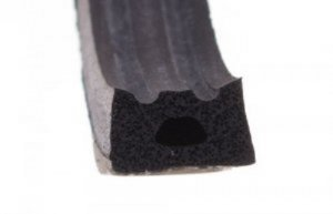 Uszczelka samoprzylepna czarna 10x6 (SD-53) 100m