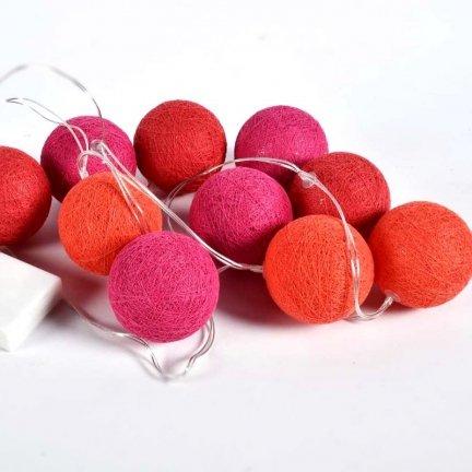 Cotton Balls Dekoracyjne Lampki Kule Różowo Czerwone