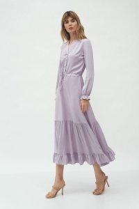 Długa liliowa sukienka z falbanką - S178