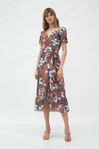 Kopertowa sukienka w stylu boho w kwiaty - S181