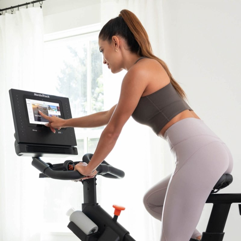 Rower spiningowy NordicTrack Commercial S10i + roczne członkostwo iFit