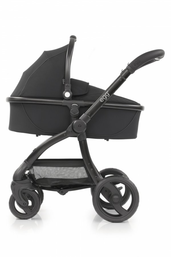 Kombikinderwagen EGG Stroller   Babywanne + Sportsitz +Alu-Gestell   + Becherhalter &  Sitzauflage gratis   Just Black