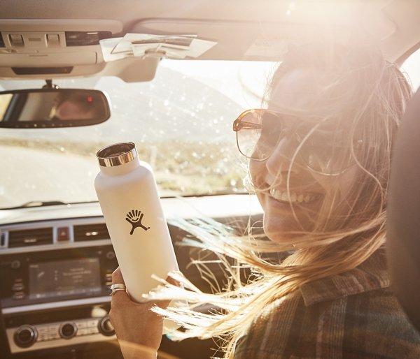 Butelka termiczna Hydro Flask 621 ml Flex Cap z podkładką Boot biały whitecap #RefillForGood