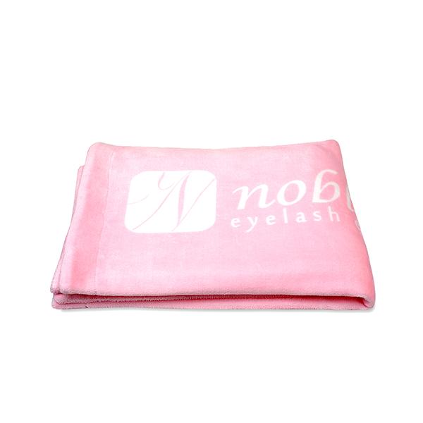 Koc z logo Noble Lashes