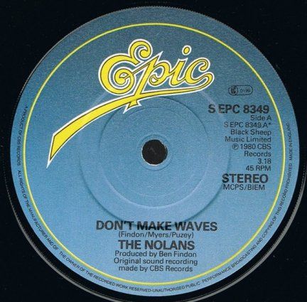 The Nolans - Don't Make Waves (7)