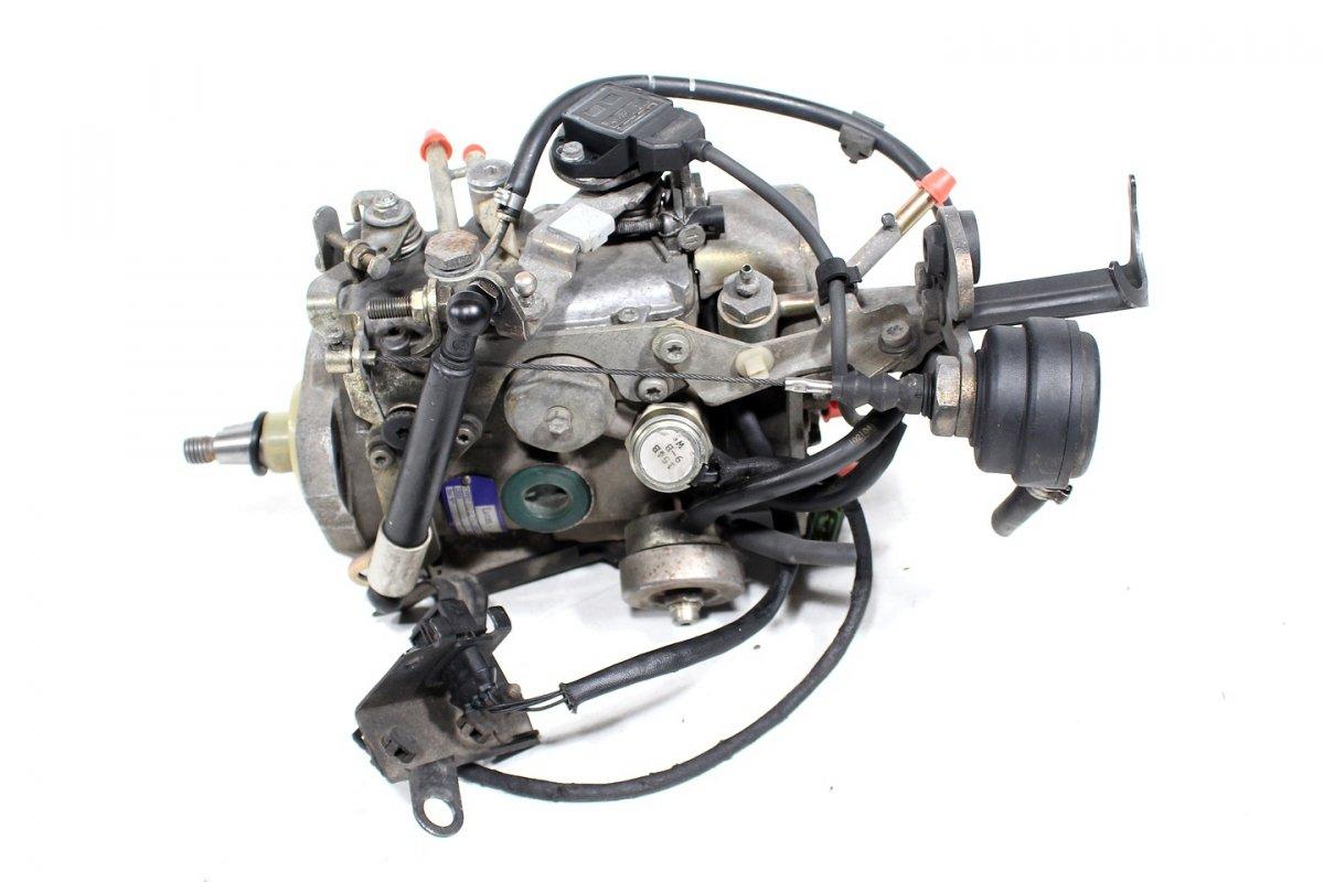 Genialny Pompa wtryskowa Volvo S40 V40 1997 1.9TD - pod maską - S4 V40 1995 ZF15