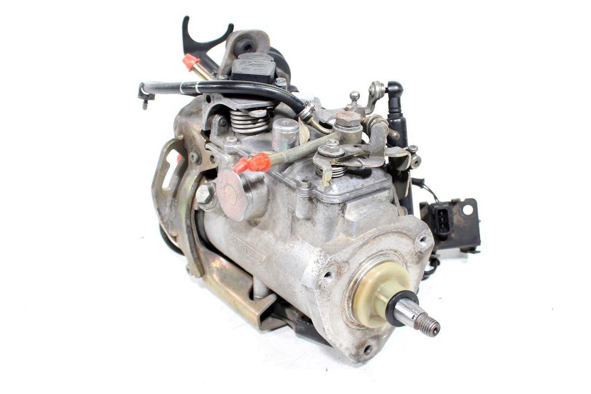 Topnotch Pompa wtryskowa Volvo S40 V40 1997 1.9TD - pod maską - S4 V40 1995 ZK33