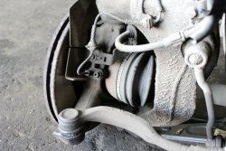 Zwrotnica przód lewy Peugeot 407 2004-2008 2.0HDI