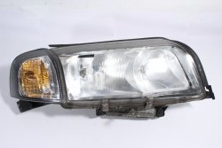 Reflektor prawy Volvo S80 1999