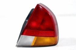 Lampa tył prawa Mitsubishi Carisma DA1A 1995-1999 5D