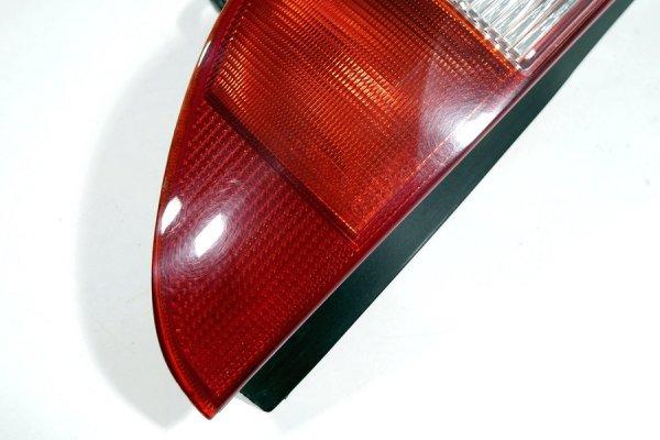 Lampa tył lewa Ford Mondeo MK3 2004 Kombi