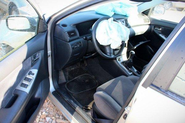 Szyba drzwi tył lewa Toyota Corolla E12 2006 Kombi