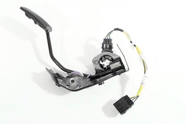 Pedał potencjometr gazu Toyota Avensis T25 2005 2.2D-CAT