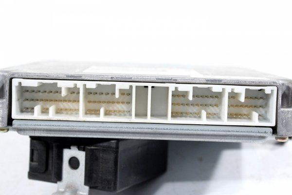komputer silnika - stacyjka - toyota - rav4 - zdjęcie 3