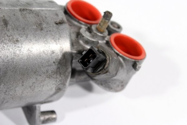 Obudowa filtra oleju BMW 7 E38 1994-2000 3.0i