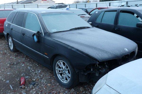 BMW 5 E39 1999 2.0i M52B20 Kombi