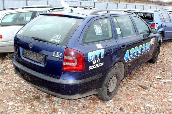 Klapa bagażnika tył Skoda Octavia 1Z 2007 Kombi