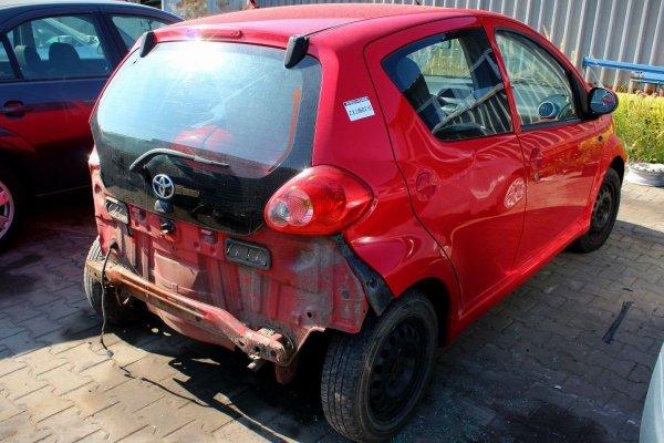 Drzwi tył tylne lewe Toyota Aygo 2005 Hatchback 5-drzwi (kod lakieru: 3P0)