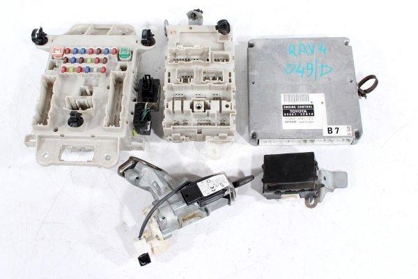 komputer silnika - stacyjka - toyota - rav4 - zdjęcie 1