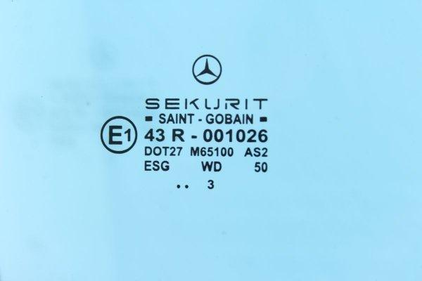 Szyba drzwi przód prawy Mercedes CLK W209 2003