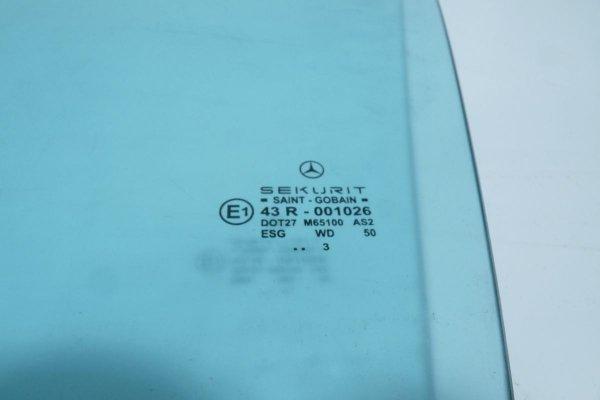 Szyba drzwi przód lewy Mercedes CLK W209 2003