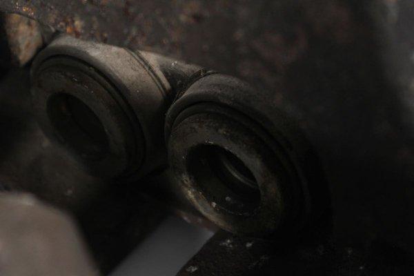 Zacisk hamulcowy przód lewy VW Phaeton GP3 2010-2014 4.2 V8