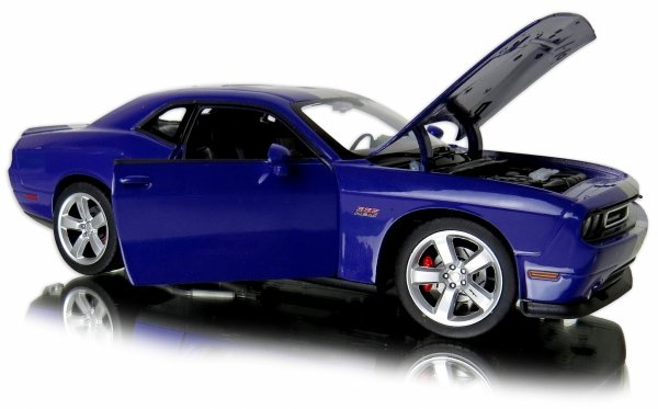 METALOWY MODEL 2012 Dodge Challenger SRT AUTO Welly 1:24
