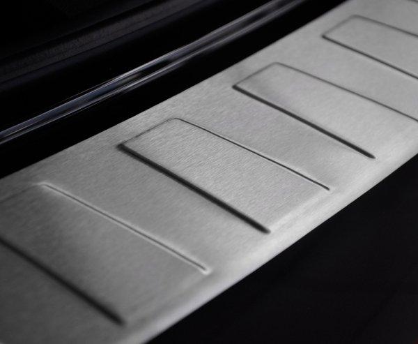 Alfa Romeo Giulia od 2016 Nakładka na zderzak TRAPEZ Mat