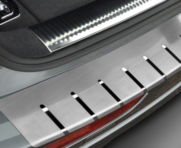 VW PASSAT B7 KOMBI od 2010 Nakładka na zderzak z zagięciem (stal)