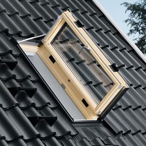 VELUX Wohn- und Ausstiegsfenster GXL 3070 mit Türfunktion FK06 66x118 cm Uw=1,3  Dachfenster GXL aus Holz klar lackiert THERMO Aluminium