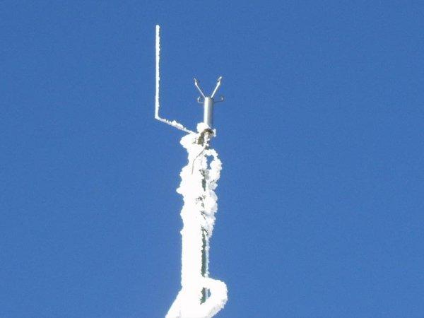 Gill WindObserver 90 wiatromierz ultradźwiękowy dwuosiowy ogrzewany anemometr do zjawisk ekstremalnych