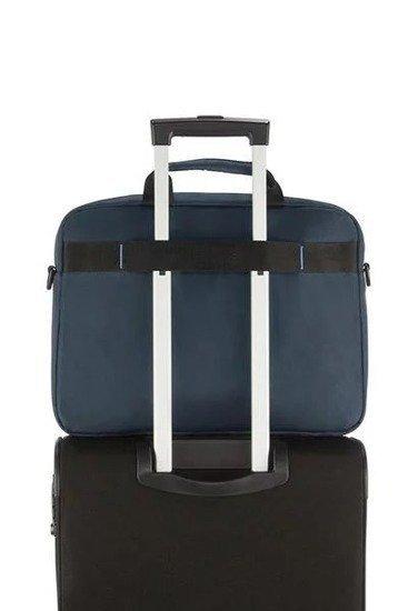 Torba posiada tunel umożliwiający nałożenie jej na stelaż innego bagażu