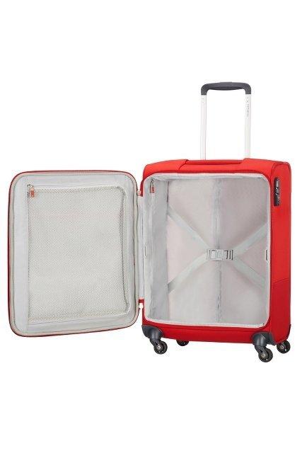 Bagaż posiada wewnątrz pasy spinające ubrania