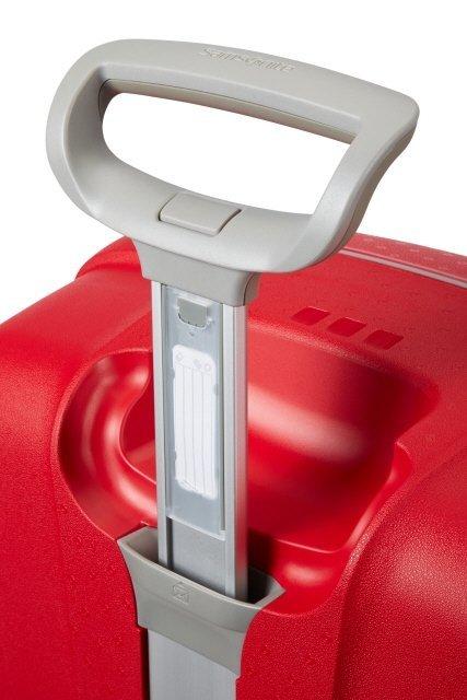 Stelaż wyciągany, stopniowany do wygodnego prowadzenia walizki i posiada wbudowany indentyfikator