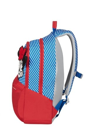 Plecak posiada górny uchwyt