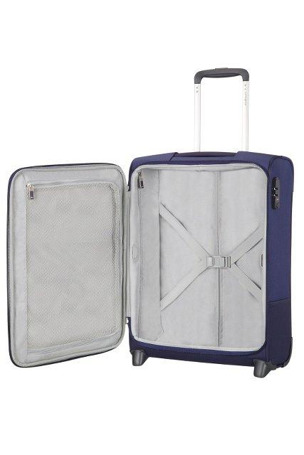 Bagaż posiada w środku pasy przytrzymujące ubrania