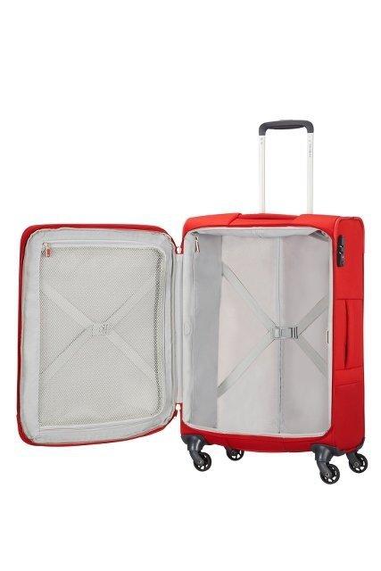 Bagaż  wewnątrz posiada pasy spinające ubrania