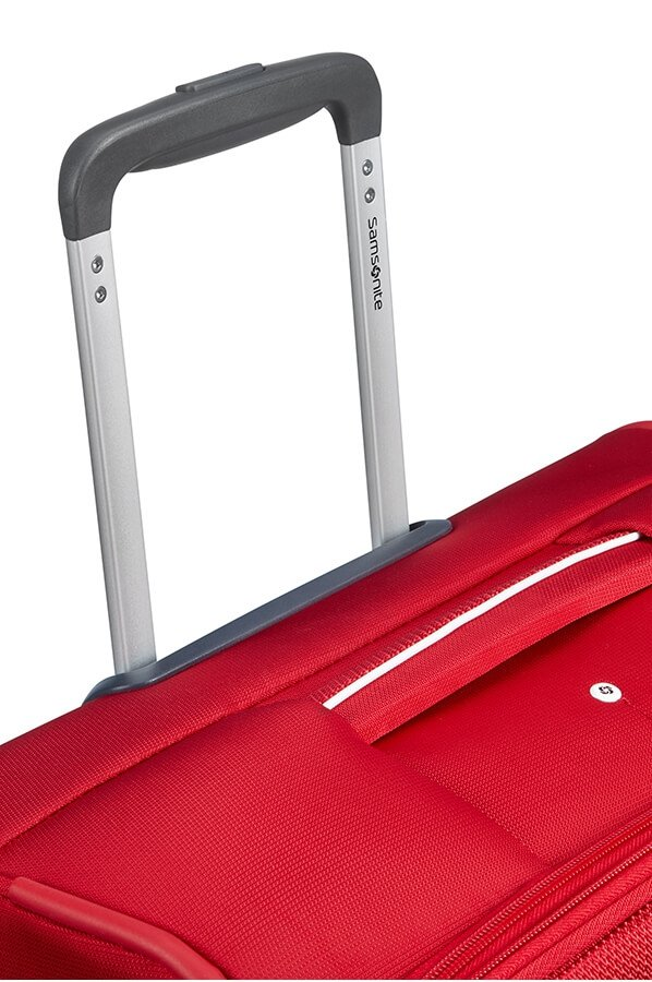 Bagaż posiada wysówany i stopniowany stelaż do wygodnego prowadzenia