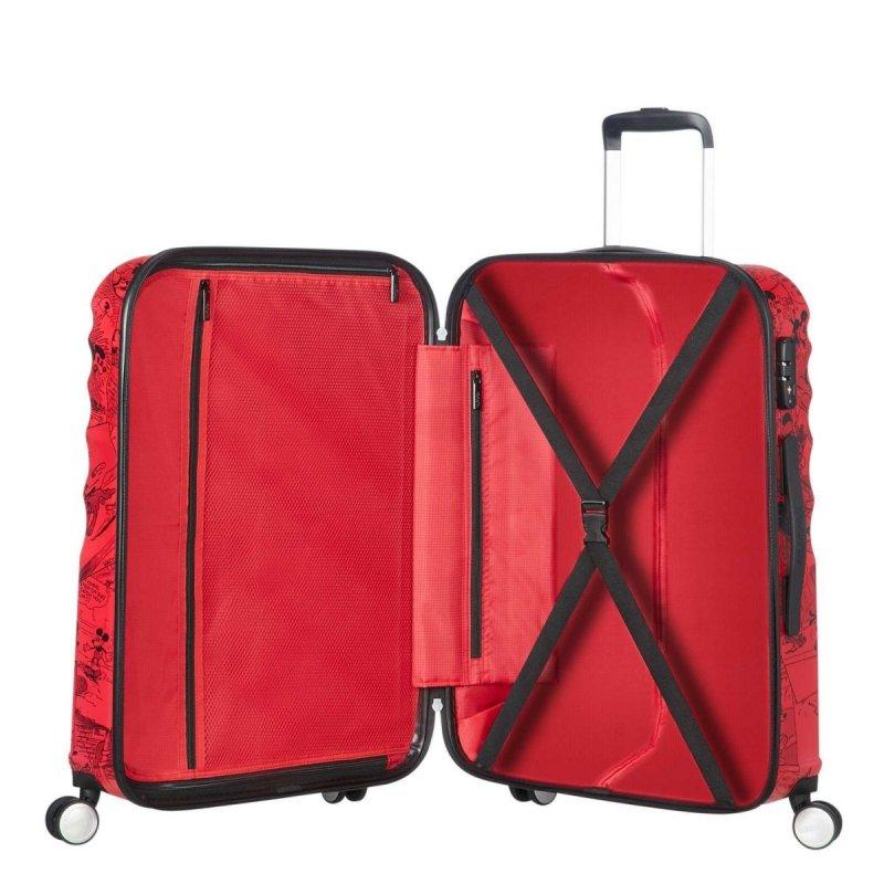 Bagaż posiada dwie komory do pakowania: górna i dolną. Gorna zapinana na suwak, dolna z pasami spinającymi ubrania