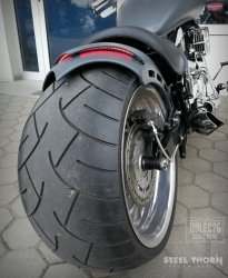 A double-layer rear fender with brake light and indicators Bobber Custom Harley Suzuki Yamaha Honda Kawasaki Cafe Racer Trike HD