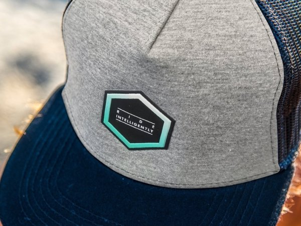Czapka Aztron Hex Grey Logo 2021