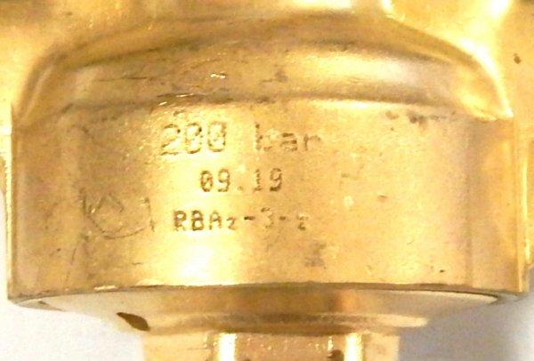 Reduktor jednostopniowy do azotu z zaworem odcinającym Perun